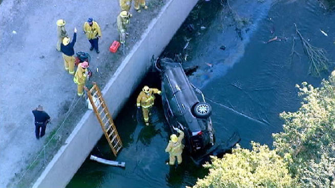 A driver was killed Thursday morning after crashing off a San Fernando Valley freeway and into the concrete-walled Tujunga Wash.