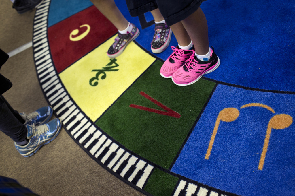 Fourth-graders at Meadows Arts and Technology Elementary School in Thousand Oaks take part in a music class on Tuesday morning, March 31, 2015. The school is ranked among the state's top arts education programs.