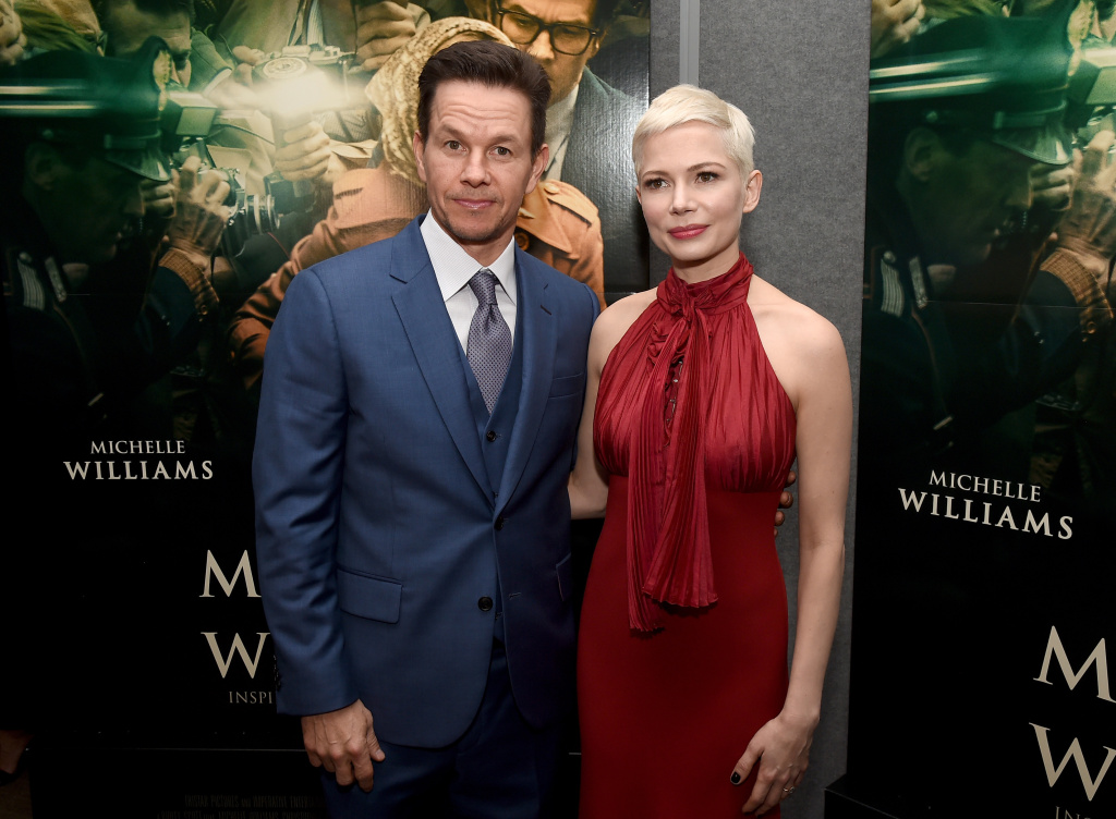 BEVERLY HILLS, CA - DECEMBER 18:  Mark Wahlberg (L) and Michelle Williams attend the premiere of Sony Pictures Entertainment's