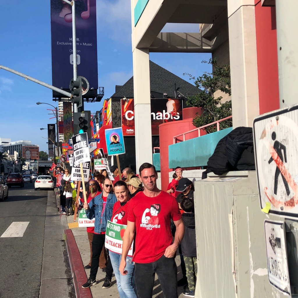 West Hollywood Elementary crowd on Sunset Blvd. (Photographed Jan. 18, 2019)