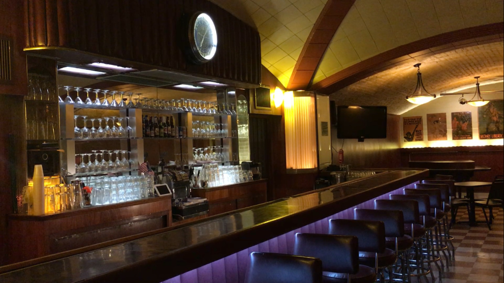 The Art Deco bar at Post 43