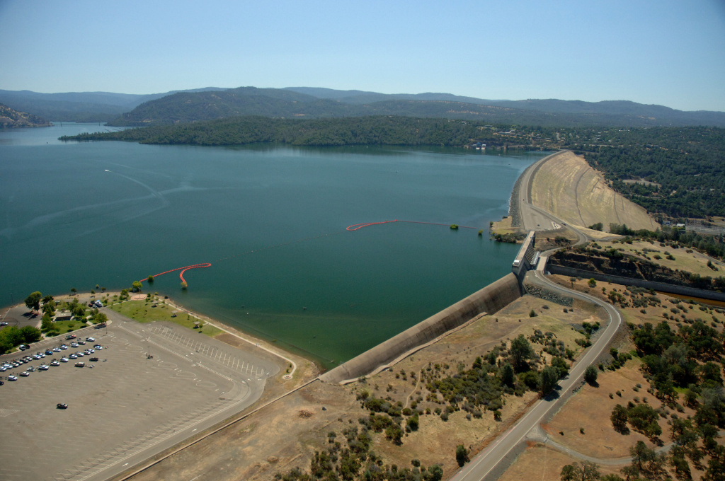 In this handout photo provided by the California Department of Water Resources, Full water levels are visible behind the Oroville Dam at Lake Oroville on July 20, 2011 in Oroville, California.