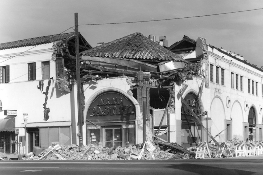 Ara's Pastry located at Hollywood Boulevard and Kenmore, is damaged in the Northridge earthquake.