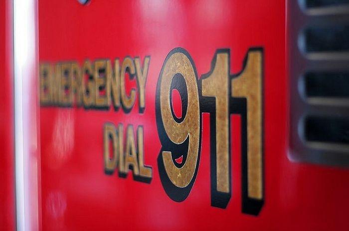 dial 911 emergency