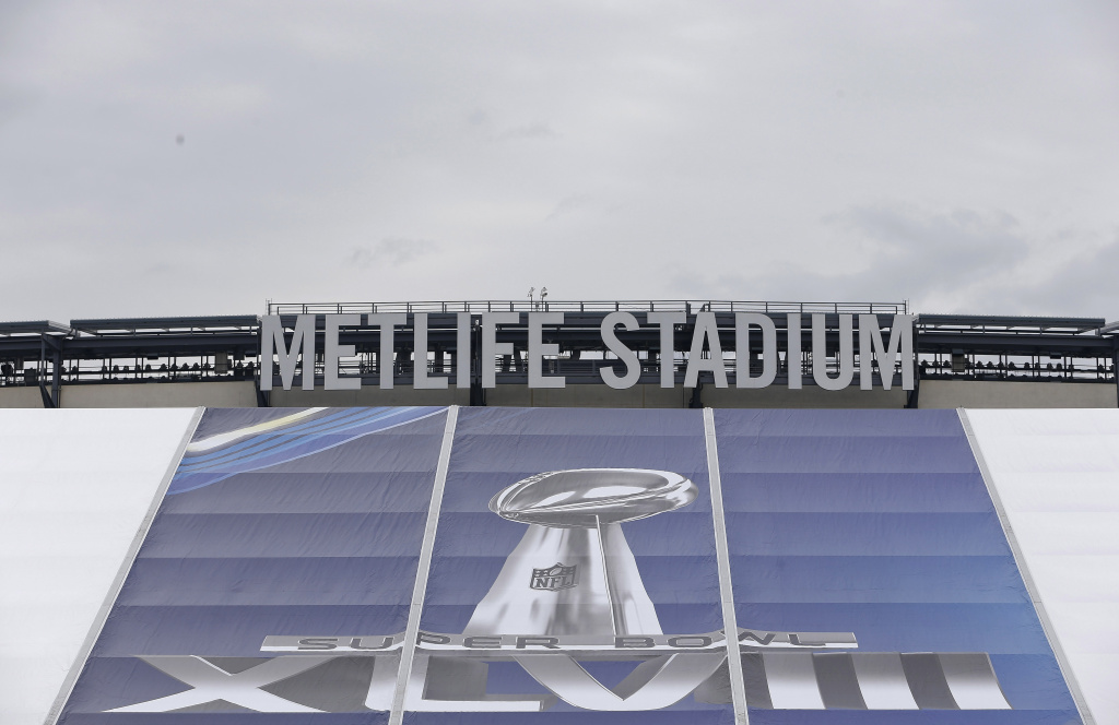EAST RUTHERFORD, NJ - JANUARY 27:   Super Bowl signs are seen at MetLife Stadium as the venue is prepared to host Super Bowl XLVIII between the Denver Broncos and the Seattle Seahawks January 27, 2014 in East Rutherford, New Jersey.  (Photo by Jeff Zelevansky/Getty Images)