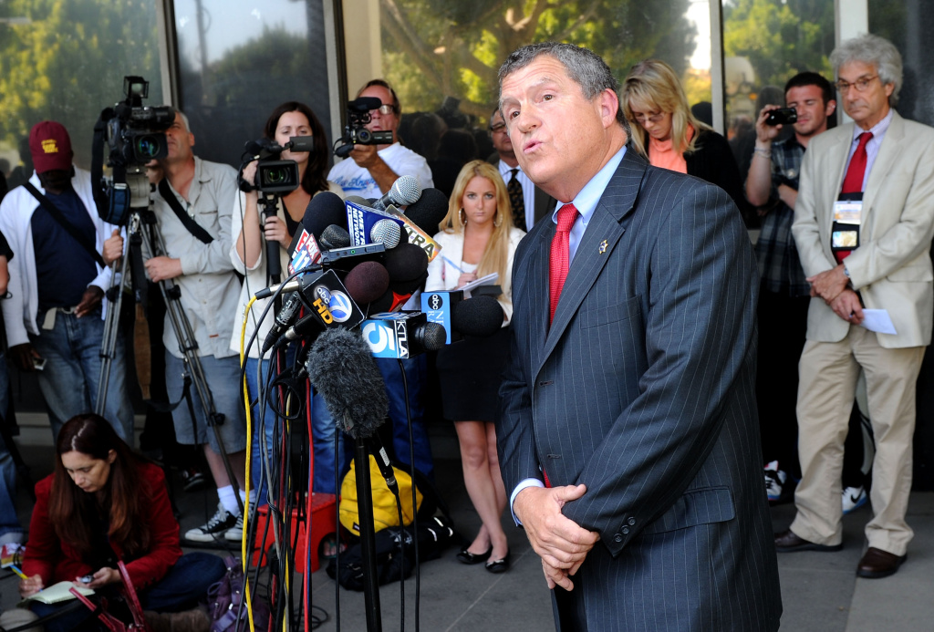 Former LA County Sherriff spokesman Steve Whitmore speaks to media in front of Beverly Hills Courthouse during Lindsay Lohan probation revocation hearing on July 6, 2010, just one of hundreds of times the former journalist addressed his former media colleagues.