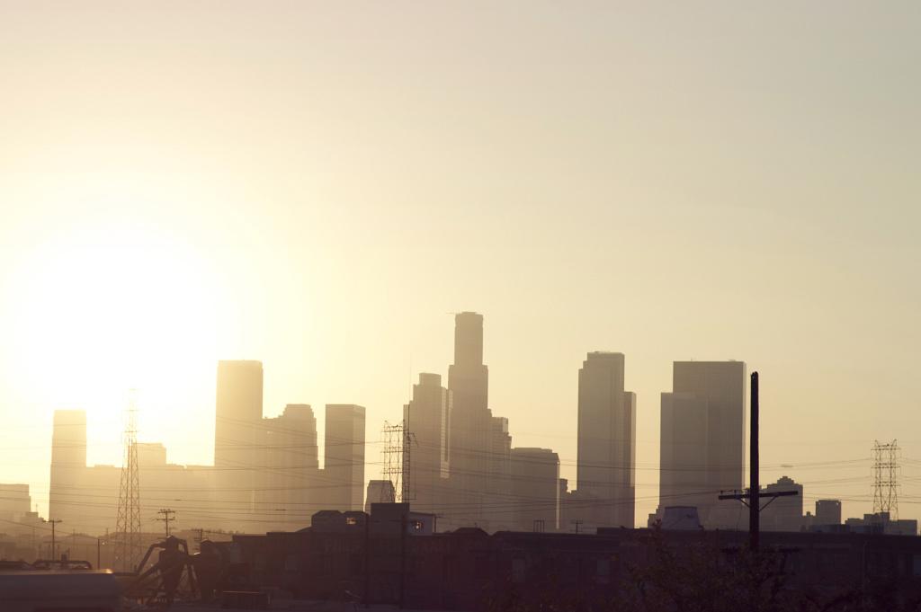 downtown los angeles skyline heat summer