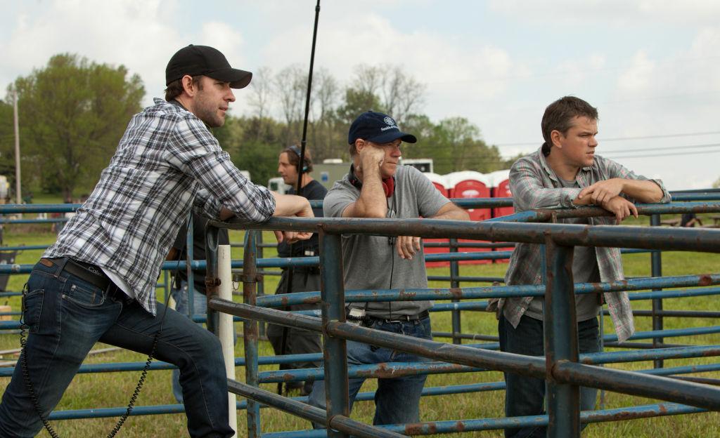 (l to r) John Krasinski, Gus Van Sant and Matt Damon on the set of Promised Land, a Focus Features release.  Credit Scott Green