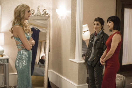 What 'UnREAL' has to say about harsh realities for women in Hollywood