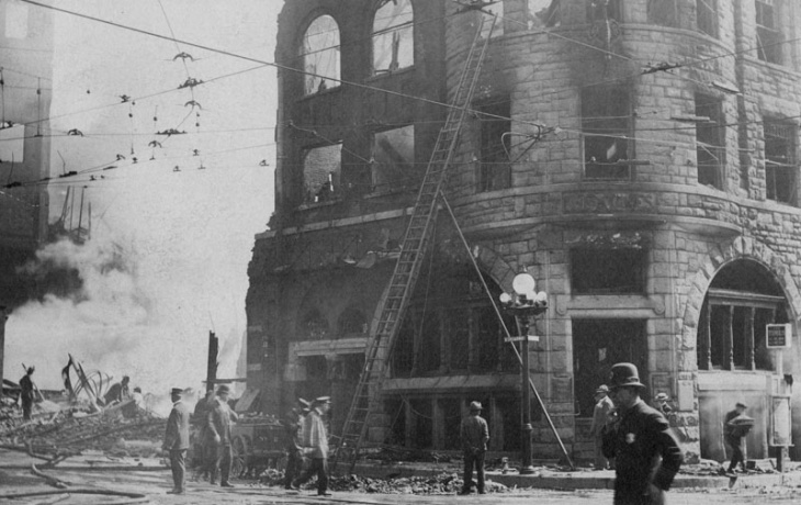 Recovery of victim from the rubble created by the 1910 bombing of the Los Angeles Times Building at First Street and Broadway.