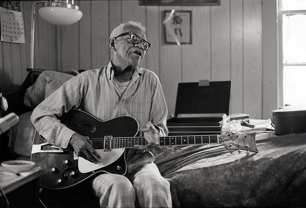 Memphis-based guitarist and singer, Furry Lewis, preserved a wide range of traditional blues styles.
