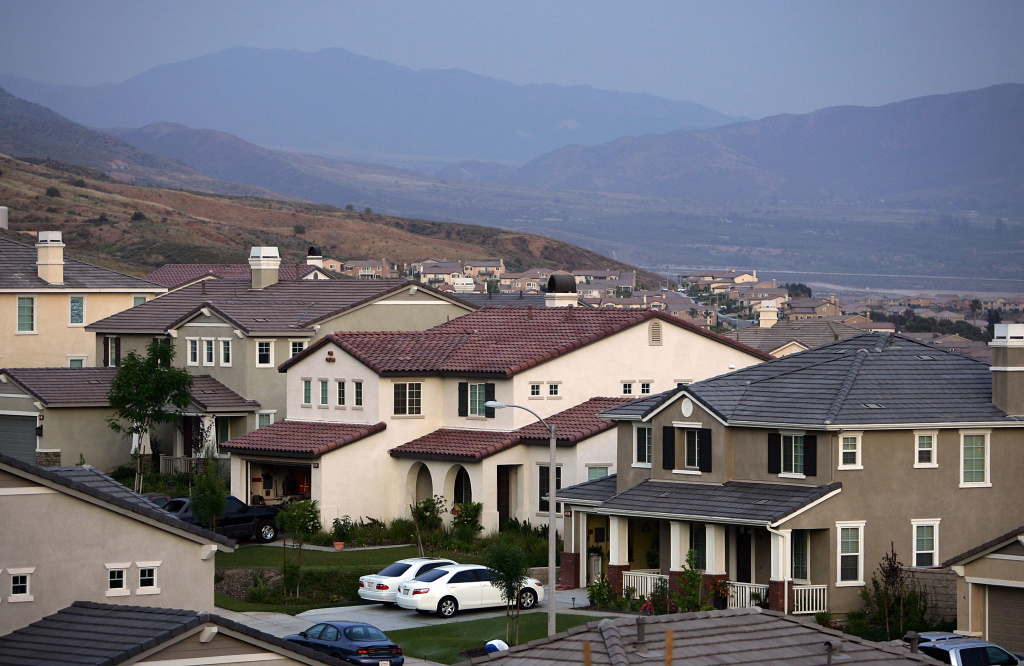 Recently built homes are seen in suburban neighborhoods under construction on top of the San Andreas Rift Zone, the system of depressions in the ground between the parallel faults of the San Andreas earthquake fault, on May 14, 2008 in the community of Highland, east of San Bernardino, California.