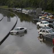 474780018-vehicles-left-stranded-on-a-flooded-gettyimages.jpg?v=1&c=IWSAsset&k=2&d=GkZZ8bf5zL1ZiijUmxa7QQQVTubJAJ%2f8k4WM9rOIsxoFzBIjhAc4feBRn10ThtSX