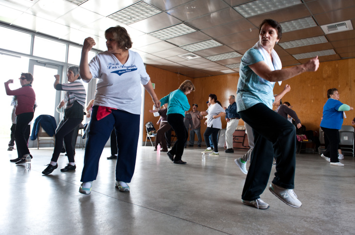 Las Abuelas del Parque is an exercise group for senior citizens. The class meets in Cypress Park.