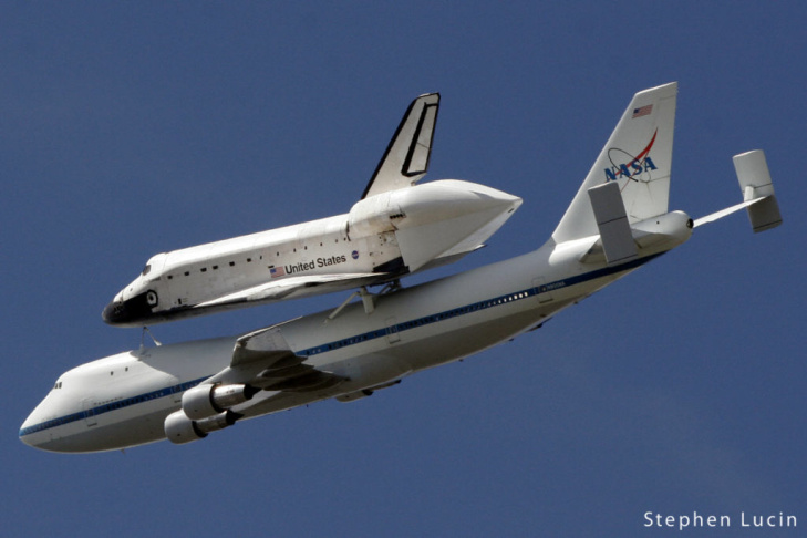 Photo from Mulholland Drive as Shuttle Endeavour soared over Universal City.