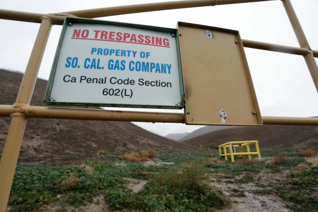 File: A sign marking the boundary of the Aliso Canyon storage facility is pictured in Porter Ranch, California, January 6, 2016.
