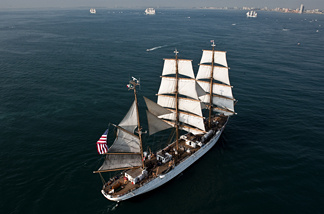 A US Coast Guard sailing ship arrives at the port of Veracruz, Veracruz state, Mexico, on June 23, 2010 during the Bicentennial Regatta South America 2010.