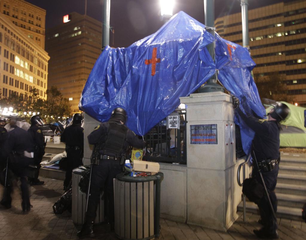 Police shut down Occupy Oakland camp
