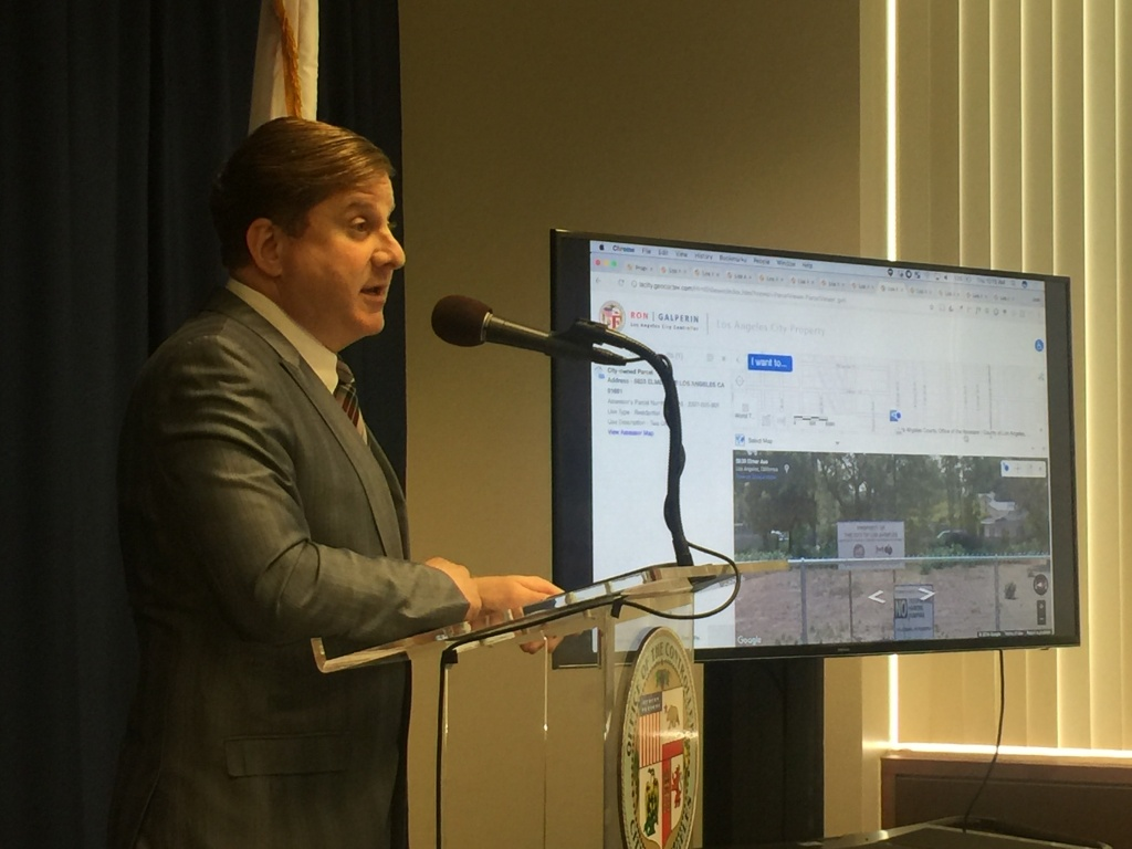 The city of Los Angeles lacks the expertise and accountability to manage its multibillion dollar real estate portfolio, according to City Controller Ron Galperin.
