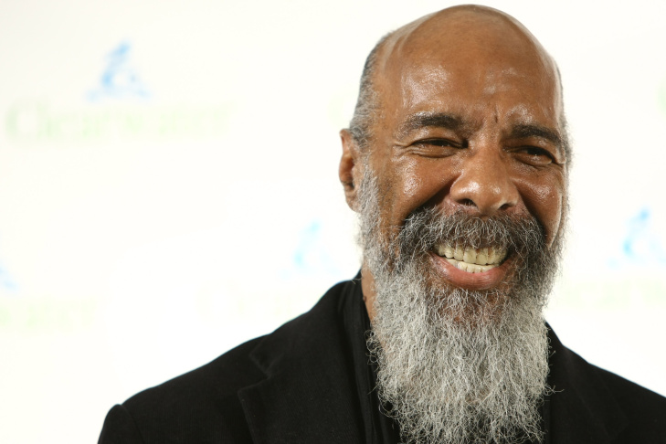 Richie Havens performs at the