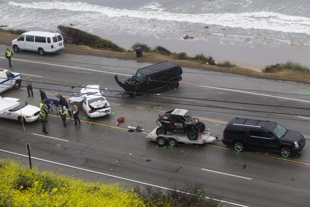 Investigators to seek Jenner's phone records after fatal crash