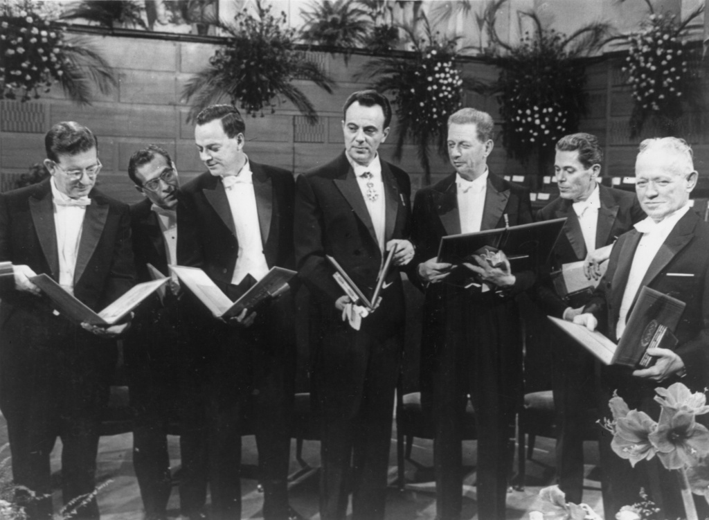 Video: Caltech makes Richard Feynman's physics lectures available ...