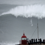SURF-POR-BRA--BIG WAVE