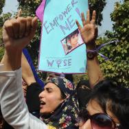 Pakistani NGO activists chant slogans du