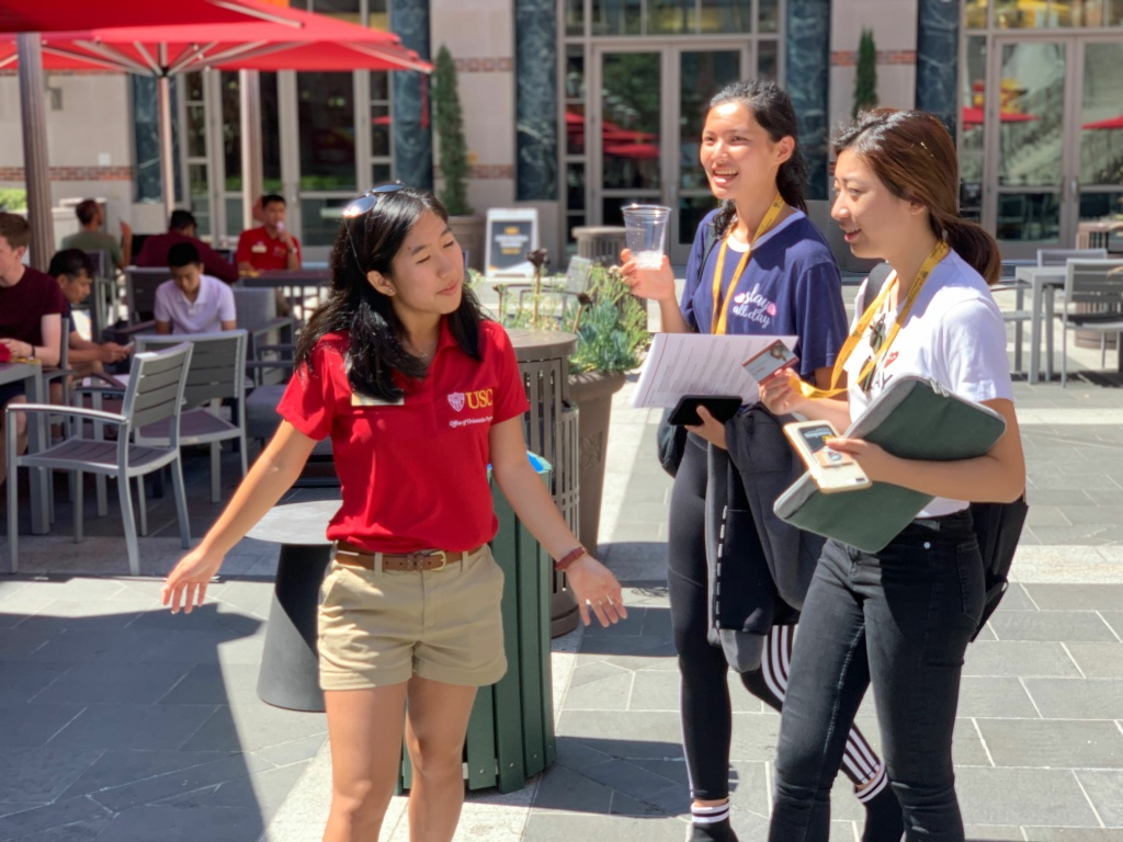 First-year students get help from a USC upperclassman during the school's orientation week.