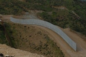 A new stretch of border fence, February 2009
