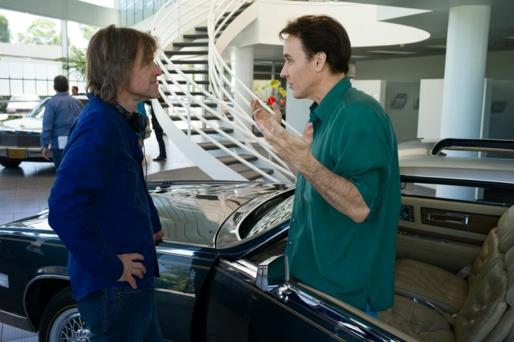 Paul Dano with Bill Pohlad on the set of