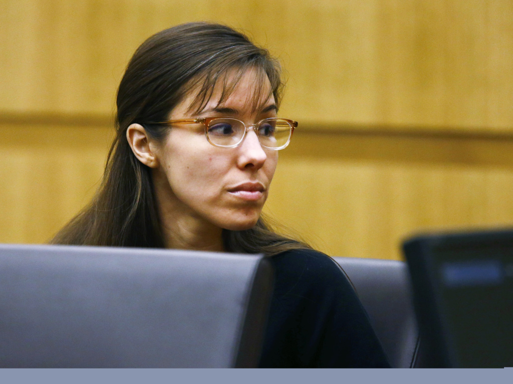Jodi Arias looks to her family during closing arguments during her trial.
