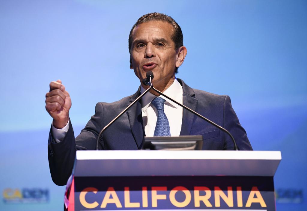 Democratic gubernatorial candidate Antonio Villaraigosa speaks at the 2018 California Democrats State Convention Saturday, Feb. 24, 2018, in San Diego.