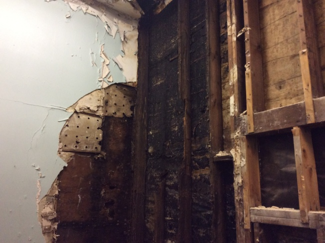 Inglewood Unified: Filth, exposed wires, roaches still at ... on