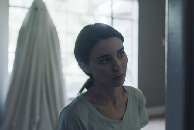 Casey Affleck and Rooney Mara star in