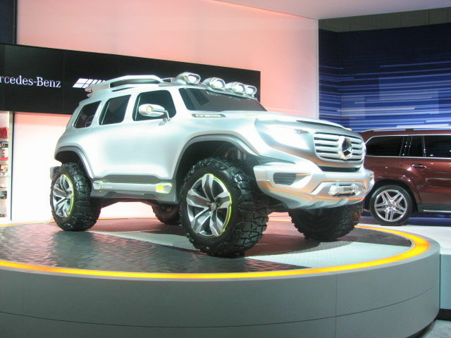 LAAS2012-Mercedes-Ener-G-Force-Concept