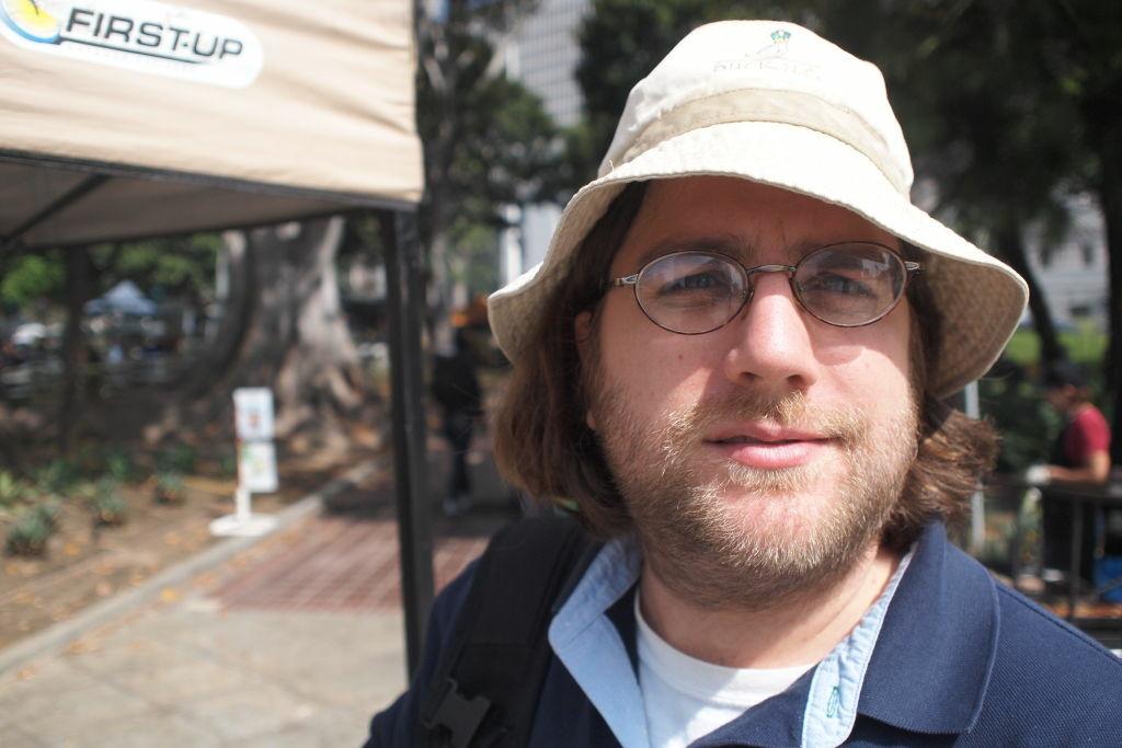Damien Newton of LA Streetsblog at the LA City Hall Farmers' Market
