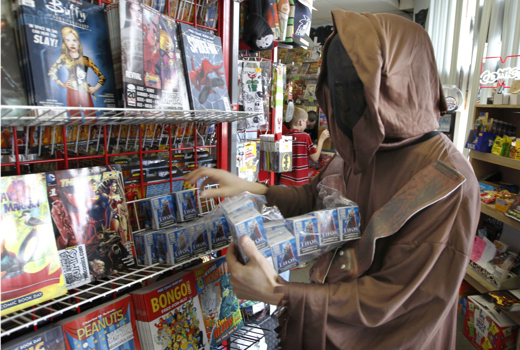 File: Kip Henniquan, who is in costume as a Jawa character from