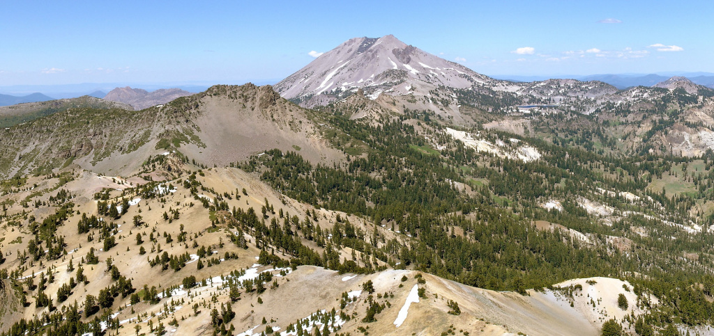 A view from the summit of Brokeoff Mountain in the Lassen National Forest.