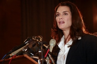 Brooke Shields talks about her battle with postpartum depression on Capitol Hill.