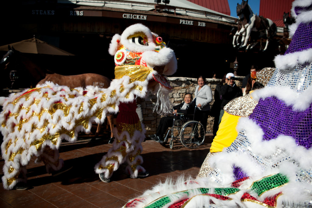 Visitors can see lion dances in honor of the Mid-Autumn Moon Festival in Chinatown this weekend.