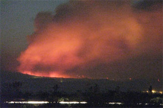 "Tehachapi ""West Fire"" at night; view from Mojave"