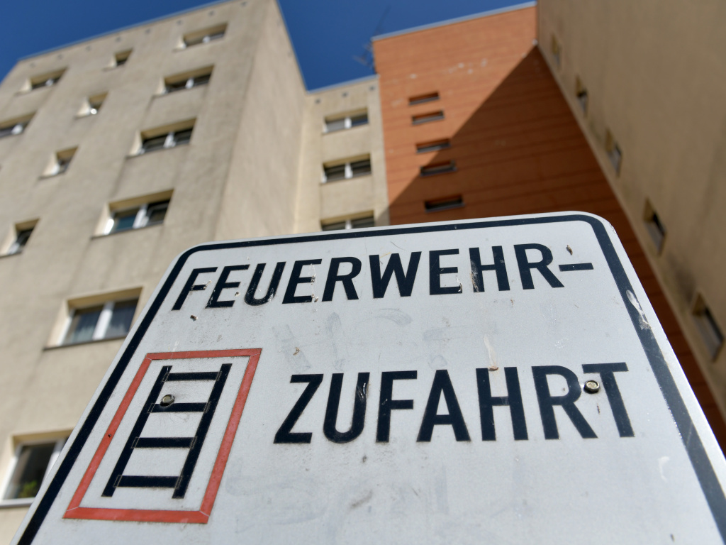 German police arrested a suspected terrorist, Magomed-Ali C., at his Berlin apartment complex for allegedly plotting a bomb attack in the country.