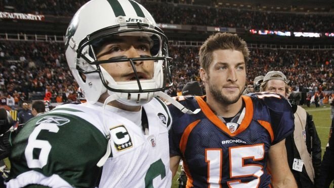 New York Jets quarterback Mark Sanchez, and former Denver Broncos quarterback Tim Tebow. (AP Photo/Barry Gutierrez)