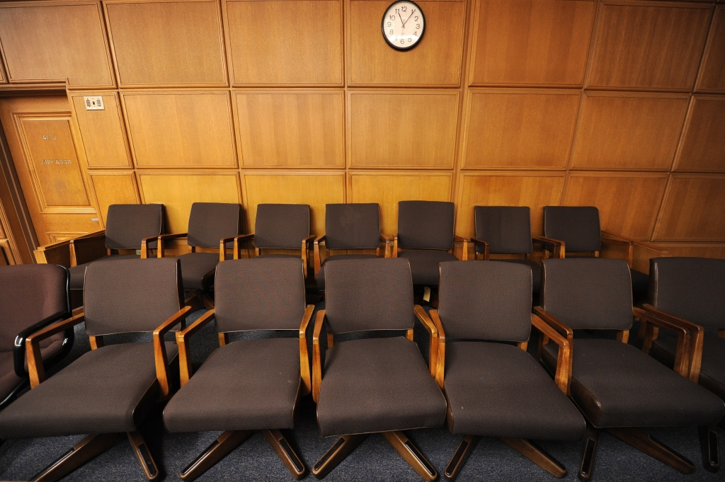 Should non-English speakers serve on a jury?