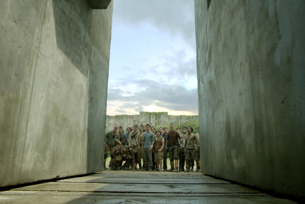 The Gladers investigate a towering, mysterious and dangerous maze.