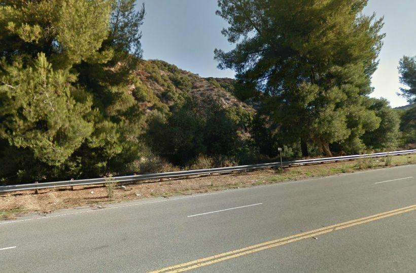 Brushfire location near 8300 W La Tuna Caynon Rd in Sunland, CA.