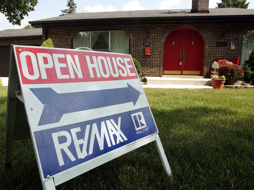 First-time homebuyers seeking FHA-backed loans won't see a planned insurance decrease.