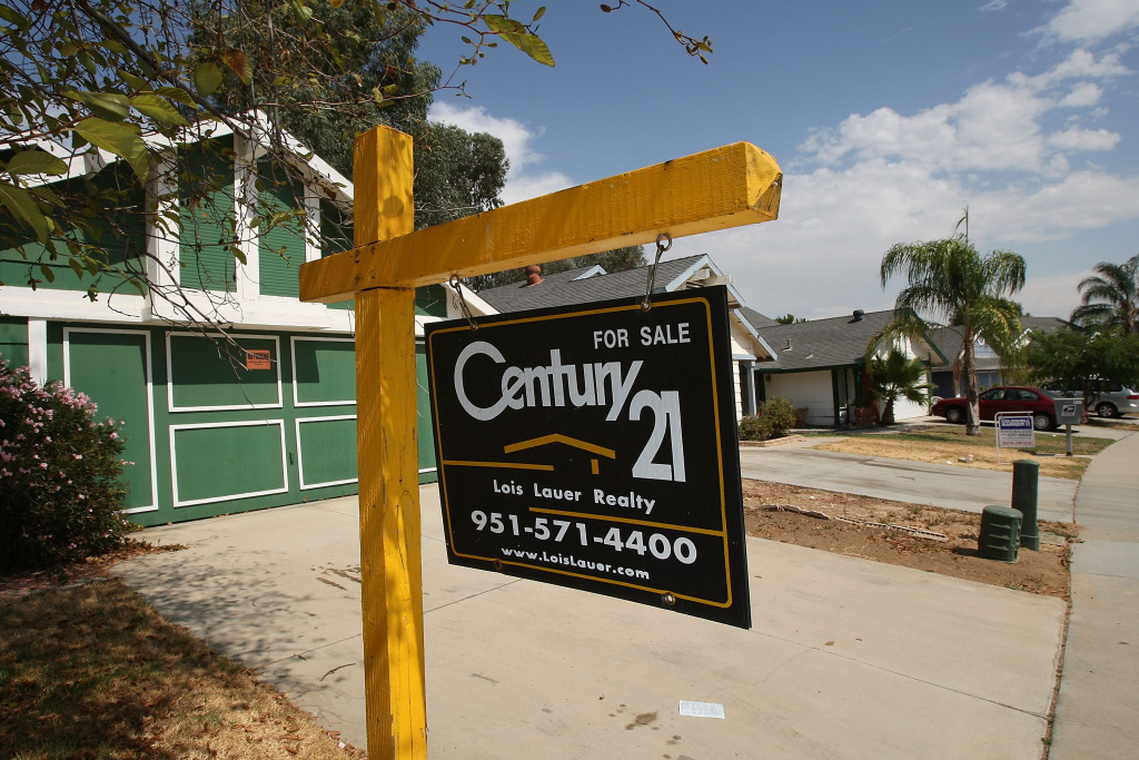 Two vacant homes are for sale on August 25, 2008 in Moreno Valley, California.