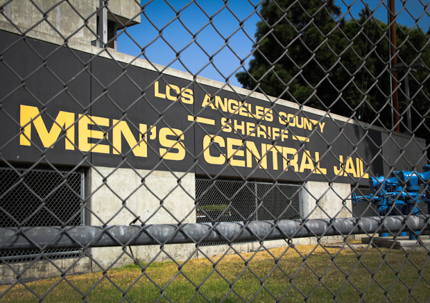 The commanding officer at Los Angeles County Men's Central Jail has retired amid claims that he allowed deputies to engage in